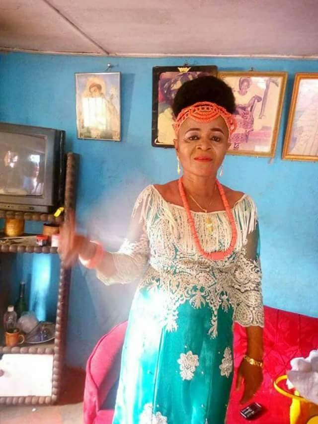 """Delay is not denial"" - Nigerian lady shares wedding photos of her older aunt"