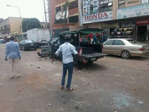 Protesting Shiite members stone policeman to death in Kaduna (Graphic)