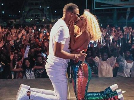Singer, Vanessa Mdee in trouble for kissing her boyfriend on stage (Photo)
