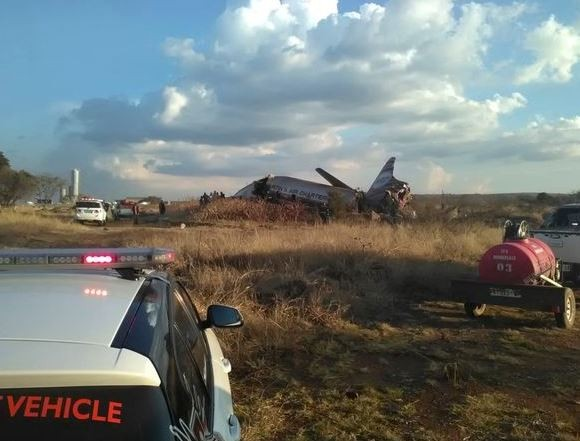 Plane crash in South Africa leaves 20?people injured (Photos)
