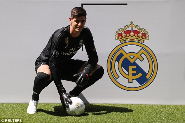 Real Madrid unveils Thibaut Courtois after sealing ?35m move from Chelsea (Photos)