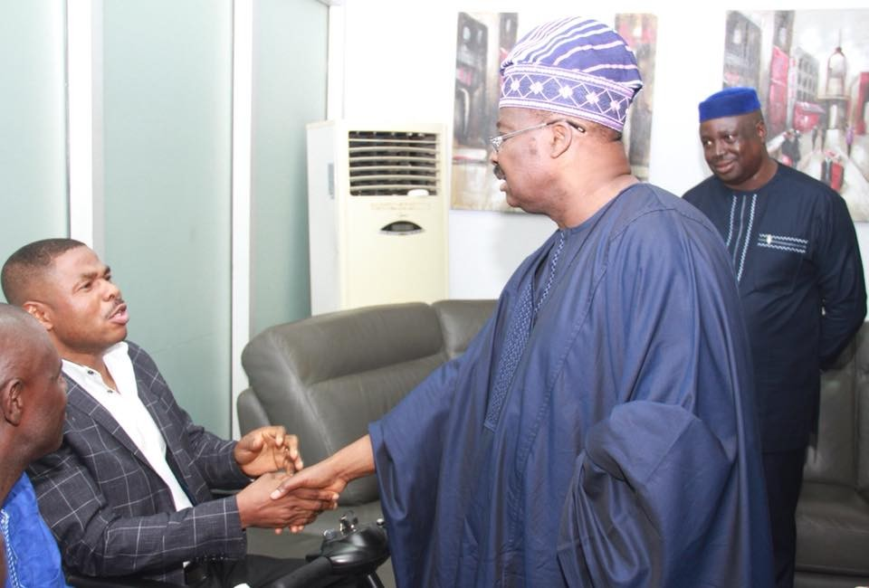 Photos: Governor Ajimobi meets with Yinka Ayefele over the demolition of the singer