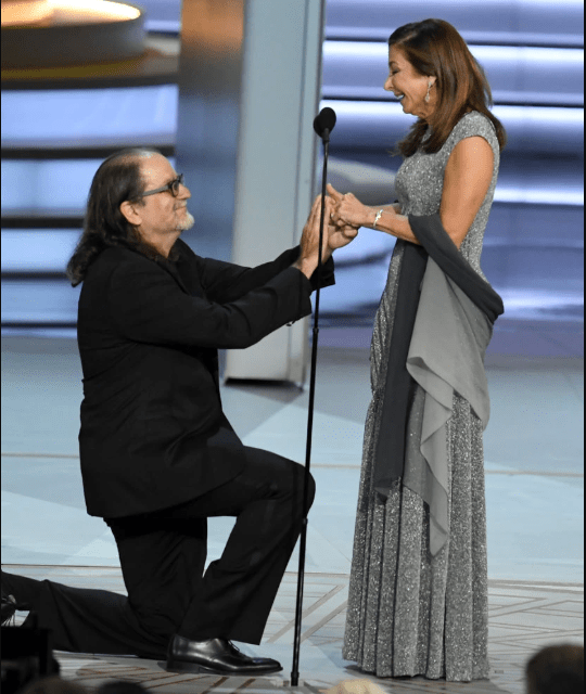Oscars director Glenn Weiss proposes to his girlfriend during his Emmy Awards acceptance speech (Video)