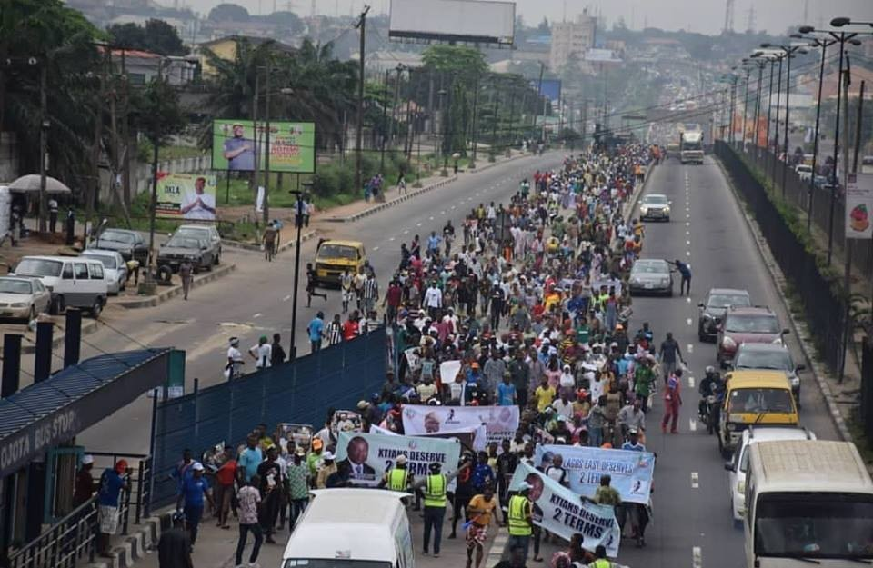 Photo: Lagosians stage protest: demand Ambode is given a second term in office
