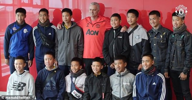 Mourinho, Pogba, Carrick and others meet the Thai footballers and their coach who survived cave ordeal (Photos)