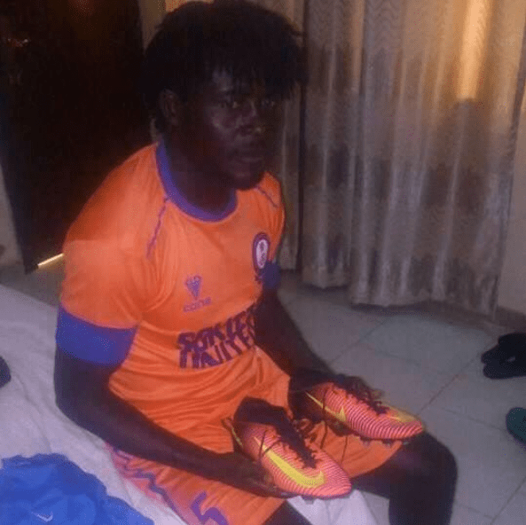 Nigerian footballer slumps and dies while warming up for match