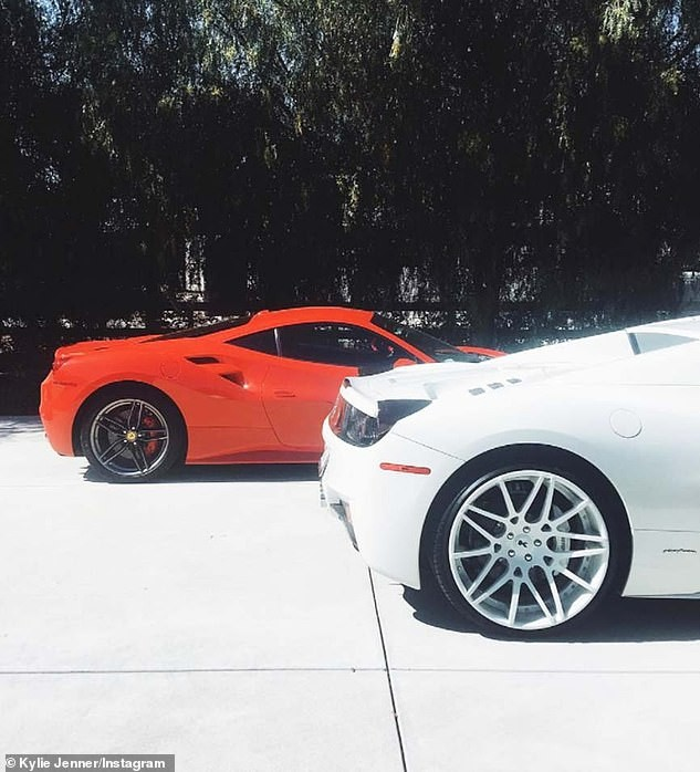 [Photos]Kylie Jenner shows off her garage as she buys another Rolls Royce Wraith