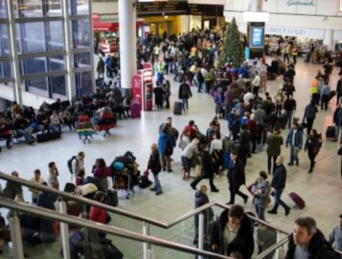 Update:?Gatwick airport reopens 24-hours after a strange flying drone forced it to shut down