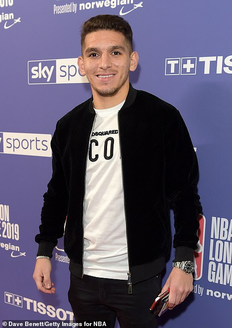 Arsenal and Chelsea football stars storm the O2 Arena in expensive designer wears to watch a basketball clash?(Photos)
