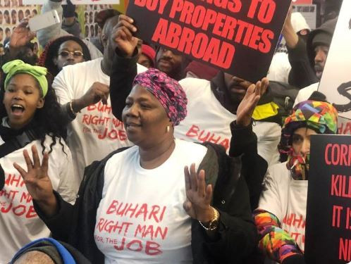 Photos:?Nigerians protest against CJN Walter Onnoghen In London