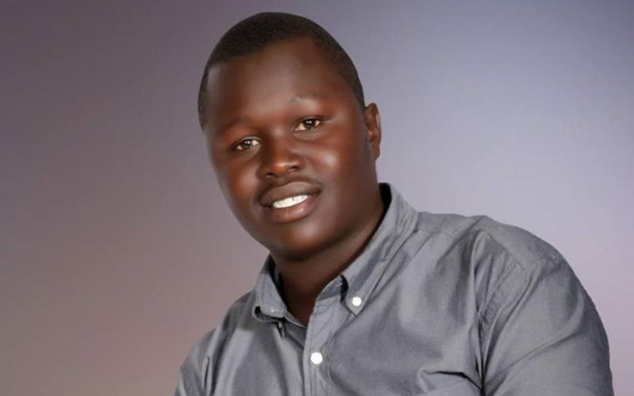 Broke Kenyan man puts up one of his testicles for sale; Says he?s tired of living in poverty