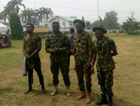 Photo: Four fake soldiers arrested in Imo State; two were escorting a politician