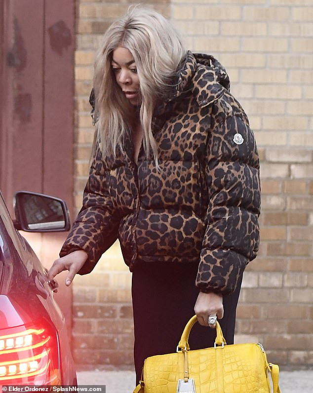 Wendy Williams is spotted without her wedding ring ?amid reports her husband