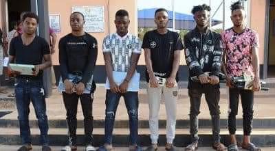 Photos: EFCC arrests Ibadan ?Yahoo Boys?, recovers exotic cars