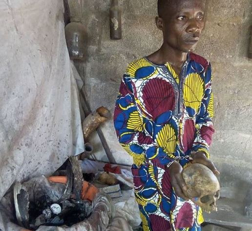 Photo: Police from Zone 2 Command arrest?48-year-old herbalist, Ibukun Moses while attempting to sell human parts