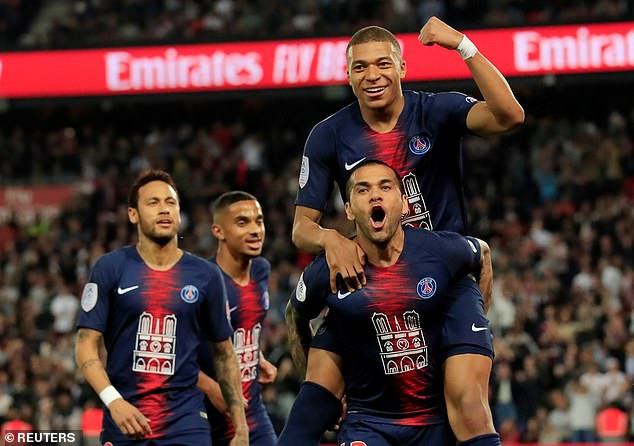 Dani Alves becomes the most successful footballer in history after winning his 42nd trophy with Paris Saint-Germain?