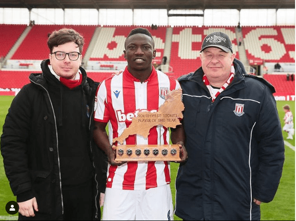 Super Eagles midfielder, Oghenekaro Etebo wins Stoke City player of the year (Photo)
