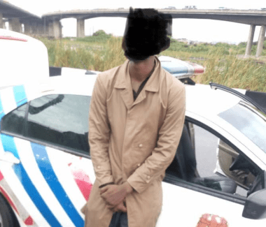Photo: Man prevented from jumping into Lagos lagoon