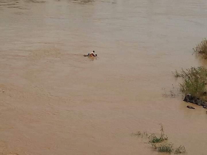 Photos: Suicidal woman rescued after she jumped into a river in Kogi