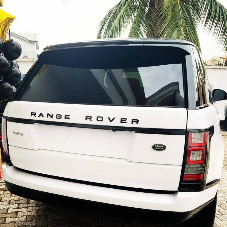 Ace stylist, Swanky Jerry acquires Range Rover (photos)