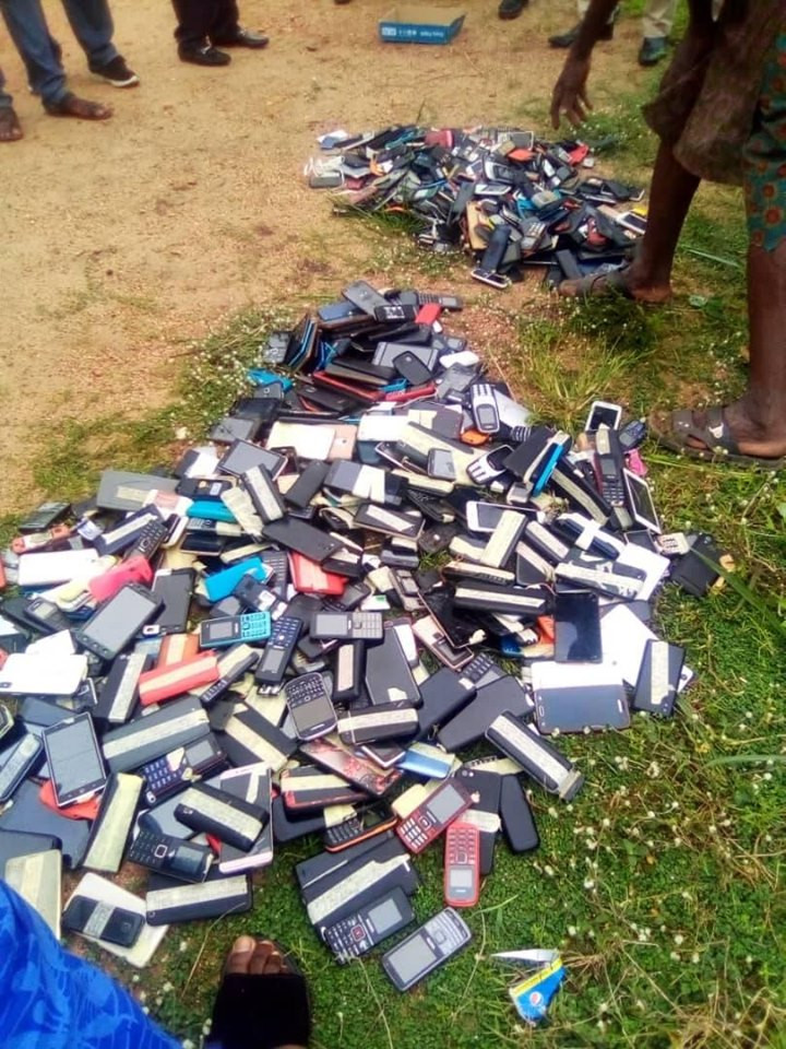 Exam malpractices: Management of The Polytechnic Ibadan burns phones seized from students