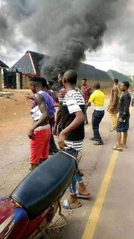Angry youths beat up pastor in Cross River community, set his house, church ablaze for allegedly using people for rituals (photos)