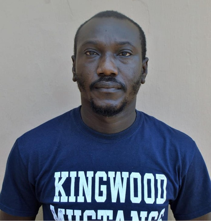 Photos: EFCC arrests Fidelity Bank employee for allegedly stealing N137M, cars and houses recovered from him