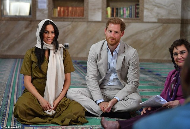 Meghan Markle wears headscarf in public for the first time as she visits Cape Town mosque with Prince Harry (Photos)