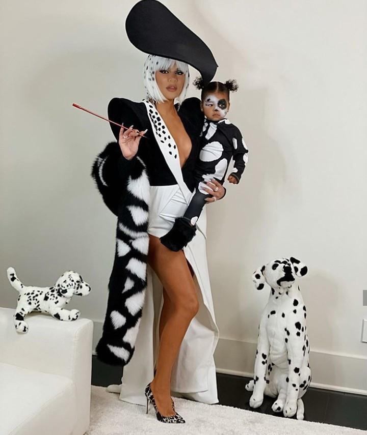 Khloe Kardashian and daughter True wear 101 Dalmatian Halloween inspired costumes (photos)