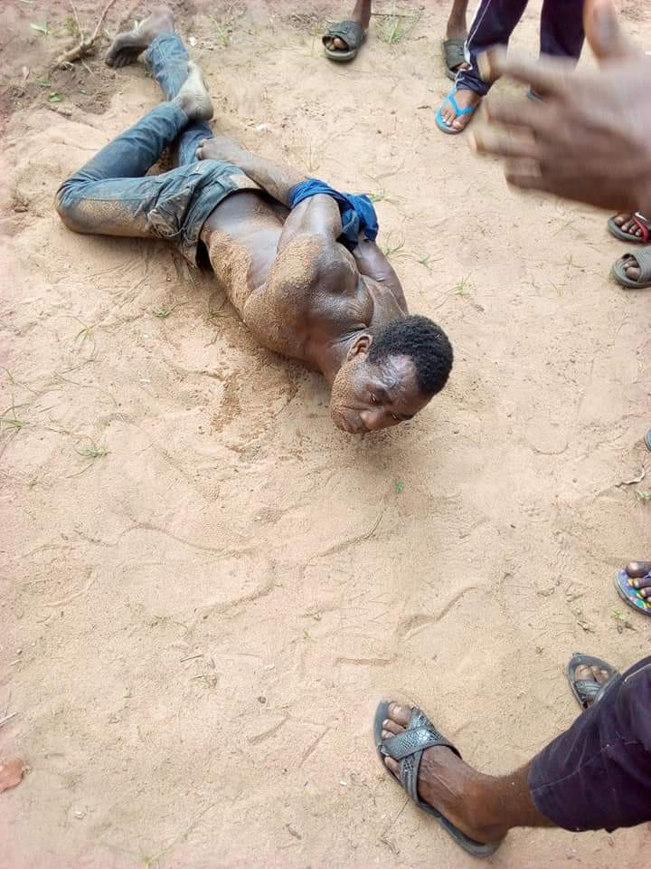 Man caught raping a little girl inside a bus in Abia state (photos)
