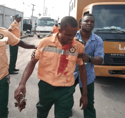 Lagos state govt officials allegedly brutalized by High Court staff (photos)