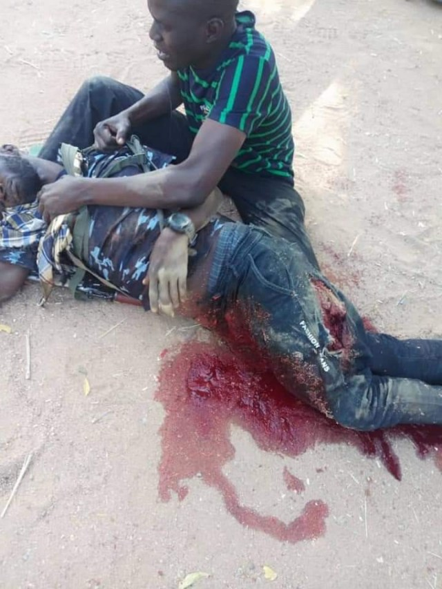 Policeman allegedly killed by soldier fighting over a girl in Borno (graphic photo)