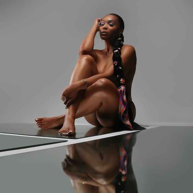 Reality star Marlo Hampton poses completely nude to celebrate 44th birthday