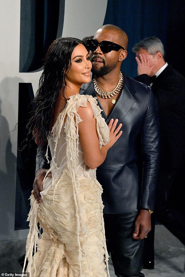 Kim Kardashian se verrouille les lèvres de son mari Kanye West lors de la soirée des Oscars Vanity Fair (Photos)