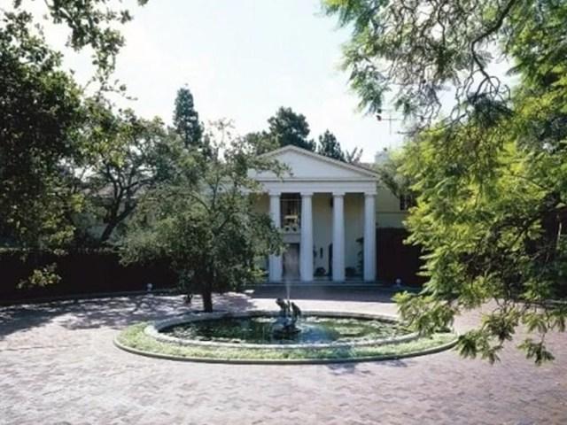 Billionaire Jeff Bezos buys historic Beverly Hills Estate for record $165 Million