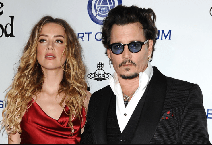 Johnny Depp allegedly sent texts saying he would