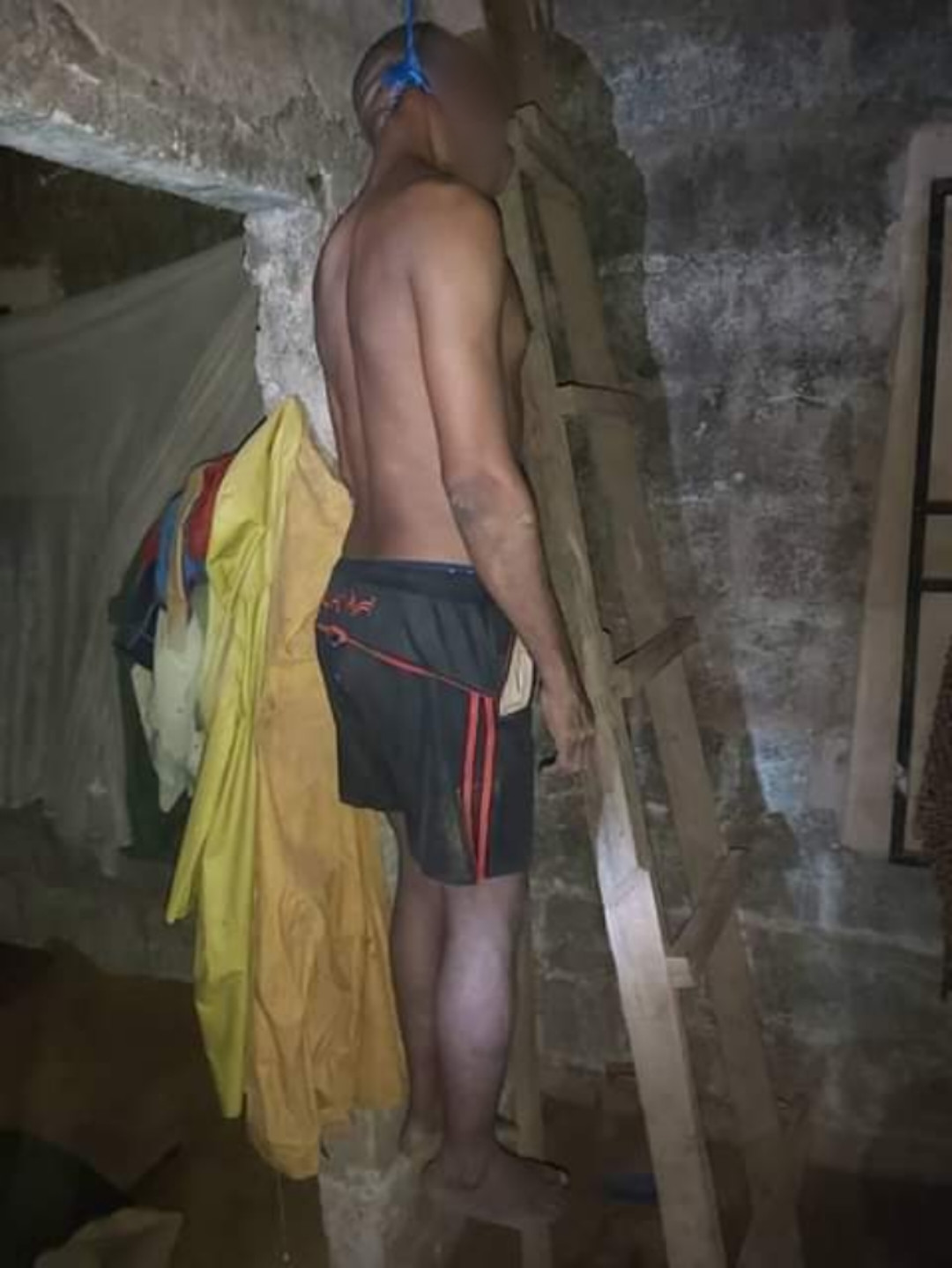 45-year-old man commits suicide in Imo (graphic photos)