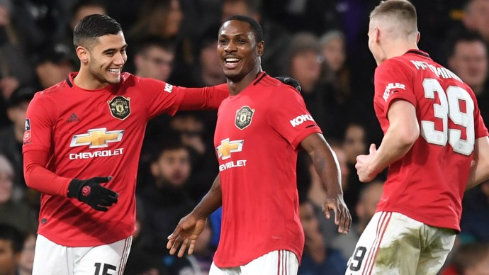 Manchester United suspend talks with Shanghai Shenhua over extending Odion Ighalo