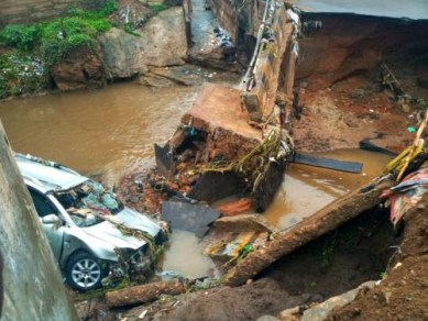One killed as bridge collapsed during heavy rainfall in Kwara