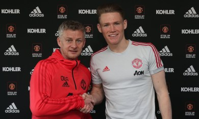 Scott McTominay signs new 5-year deal for Manchester United