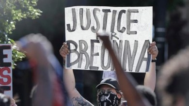 One shot dead at Black lives Matter protest in Louisville, Kentucky