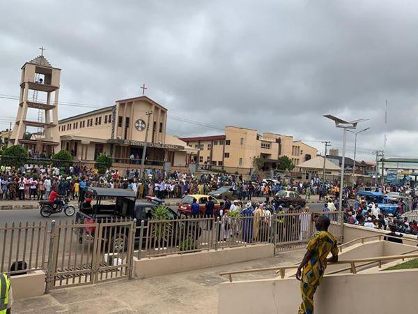 Former Governor Abiola Ajimobi laid to rest in Ibadan (photos)