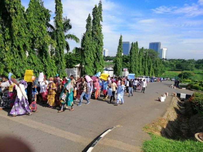 Hushpuppi: Protesters storm US Embassy, demand arrest of Atiku and Dino Melaye (photos)
