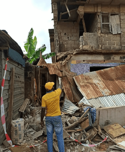 One-storey building partially collapses at Lagos (photos)