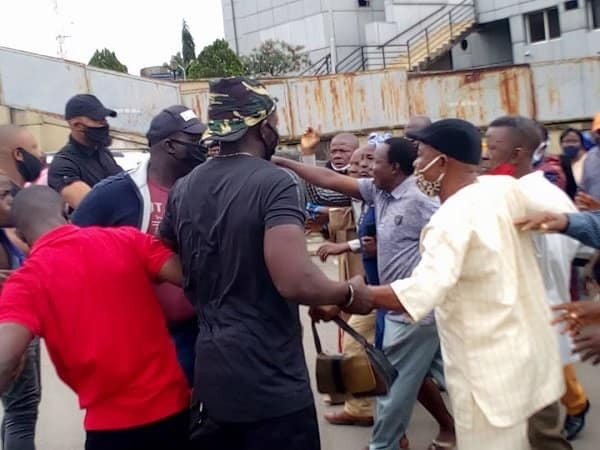 Suspected hoodlums attack protesting pensioners at Imo government house (video/photos)