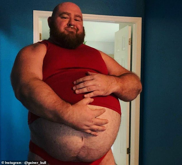 Meet erotic weight gainer who followers pay $20 a month just to watch him excite them with his massive tummy