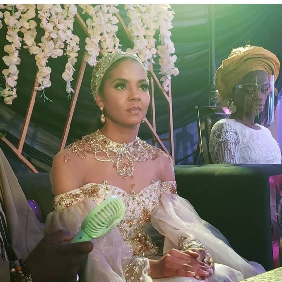 https://bluebloodz.com/index.php/2020/08/16/welcome-party-of-adama-indimi-&-her-husband-in-kogi-{-photos-&-video}/(opens in a new tab)