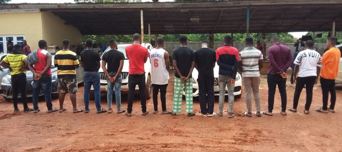 8 cars seized as EFCC arrests 14 suspected fraudsters in Anambra