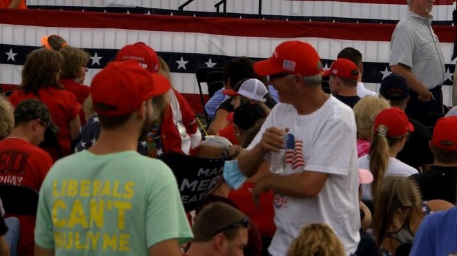 Covid-19: Thousands of Trump fans gather at rally without masks and no social distancing (photos)