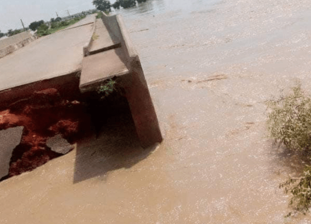#Flood: Communities cut off as Margai bridge collapses in Sokoto